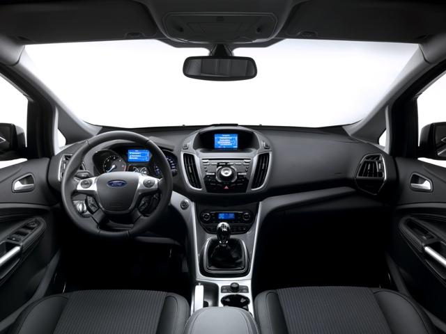 Музыка в автомобиле может отвлечь и слишком расслабить водителя