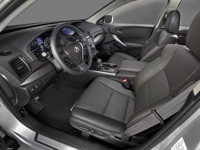 Салон автомобиля Acura RDX