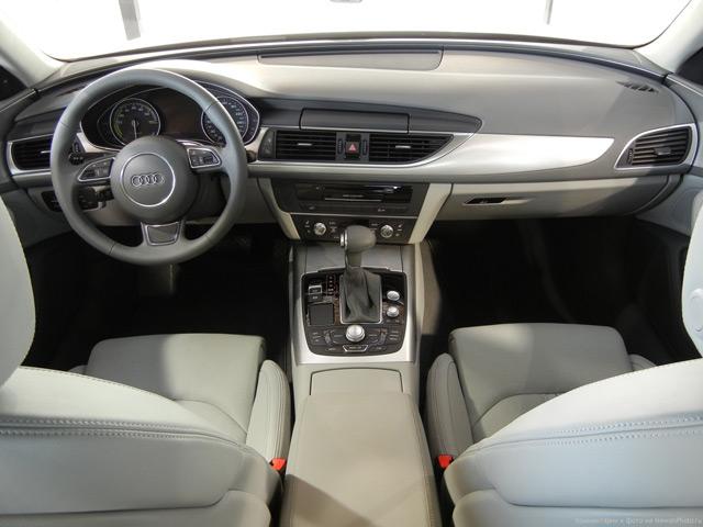 Салон автомобиля Ауди А6