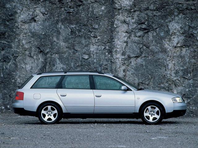Автомобиль Ауди А6 С5 универсал
