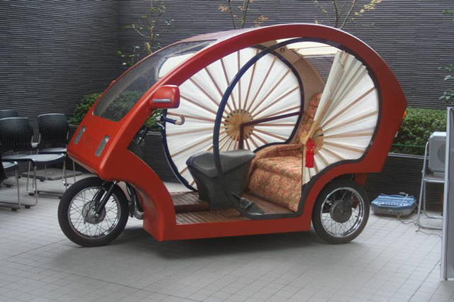 Meguru- электромобильизбамбукаи бумаги