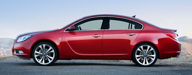 Автомобиль Opel Insignia: вид сбоку