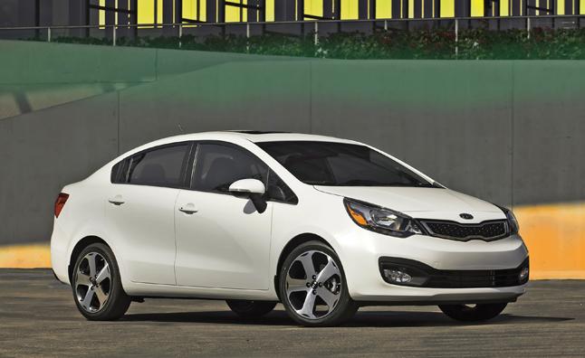 Автомобиль Киа Рио доступен в кузове седан и хэтчбек