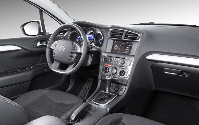 Качественные материалы и мягкий пластик – этим вас порадует салон автомобиля Citroen C4