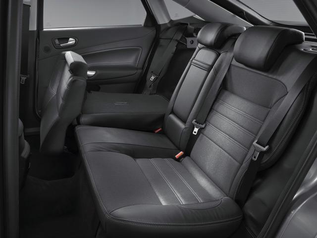 Салон автомобиля Форд Мондео вполне подойдёт для семейных поездок