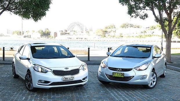 Внешне автомобили Хендай Элантра и КИА Серато похожи, но так ли они похожи по динамическим параметрам