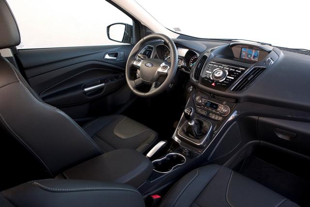 Ford Kuga отличается просторным и комфортабельным салоном