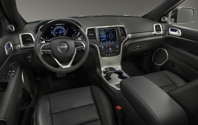 Салон Jeep Grand Cheroke может похвастаться эргономикой и высоким качеством отделки