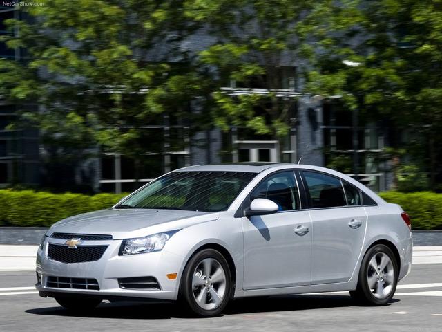 Автомобиль Chevrolet Cruze имеет спортивный дизайн