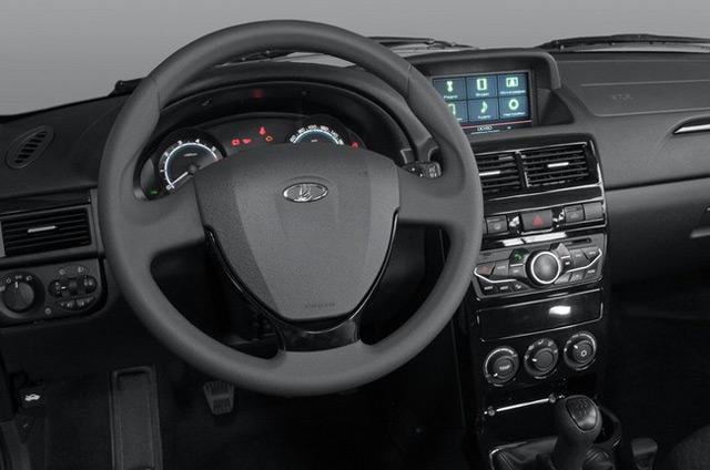 При отделке салона автомобиля Лада Приора использовался новый вид пластика soft-look