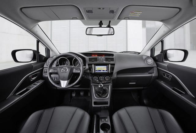 В салоне автомобиляMazda CX-5