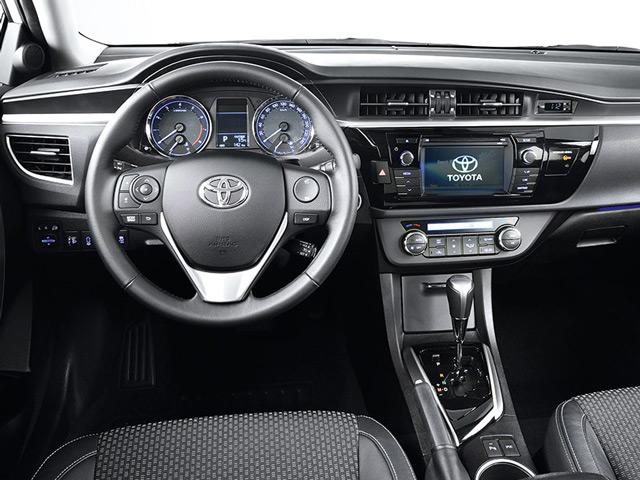 Салон Toyota Corolla отличается практичностью и комфортом