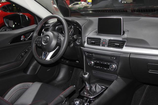 В салоне автомобиляMazda 3