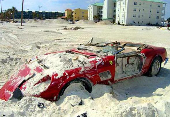 Ferrari 250 Spyder засыпало песком