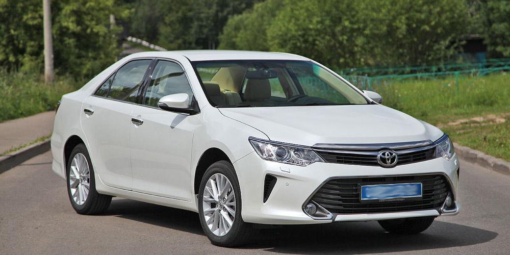 Внешний вид автомобиля Toyota Camry