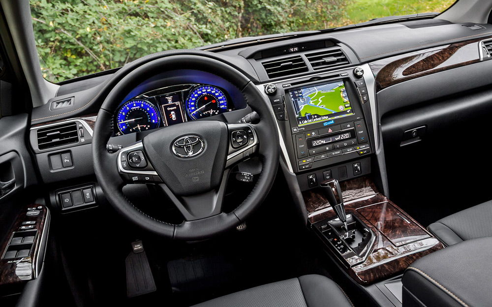 В салоне автомобиля Toyota Camry