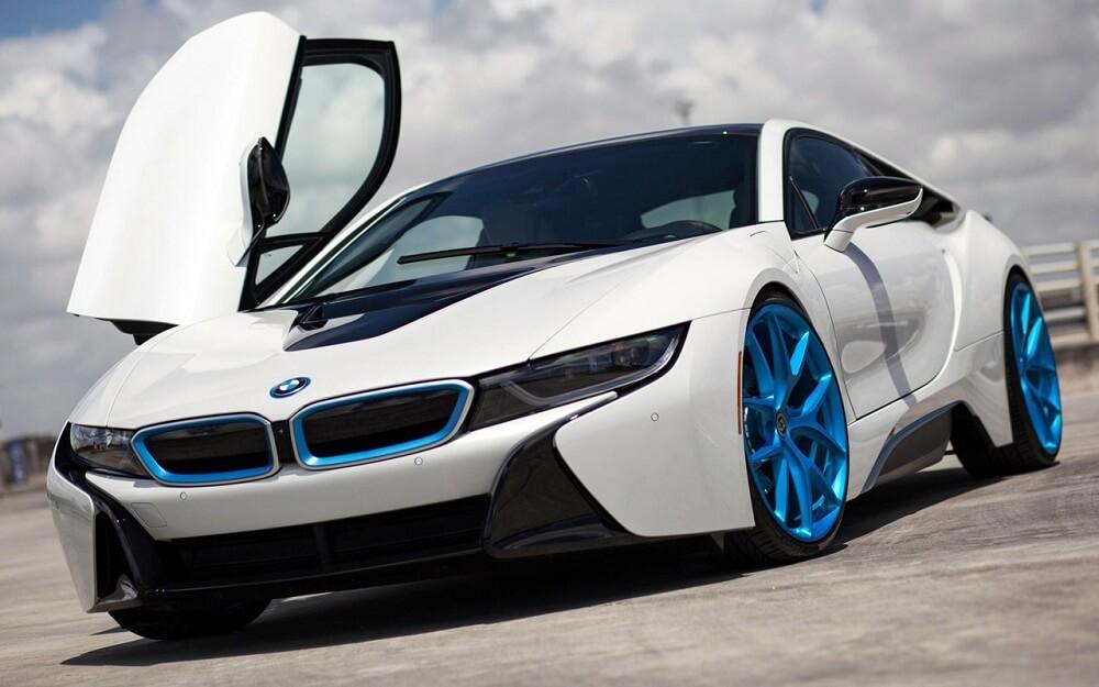 BMW I8 экономичный автомобиль