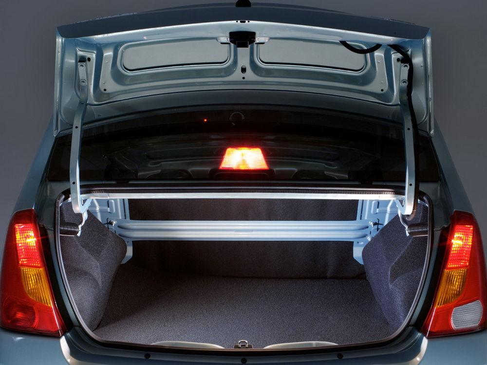 Renault Logan багажник