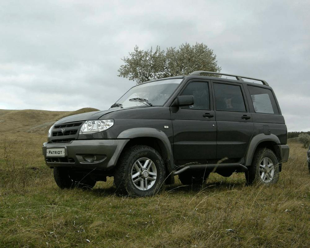 Автомобиль УАЗ Патриот