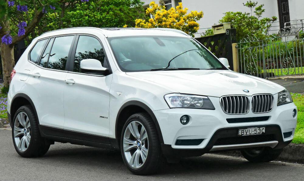 Автомобиль BMW X3