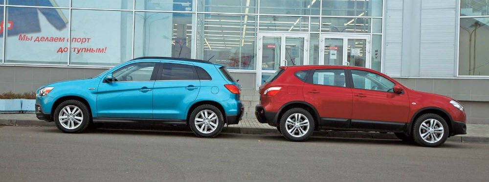 Автомобили Nissan Qashqai и Mitsubishi ASX