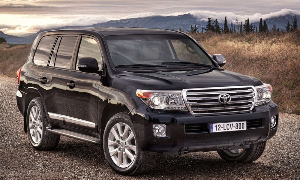 Автомобиль Toyota Land Cruiser 200