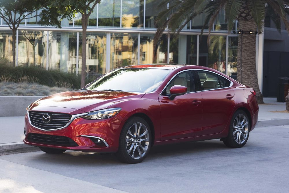 седан среднего класса Mazda6