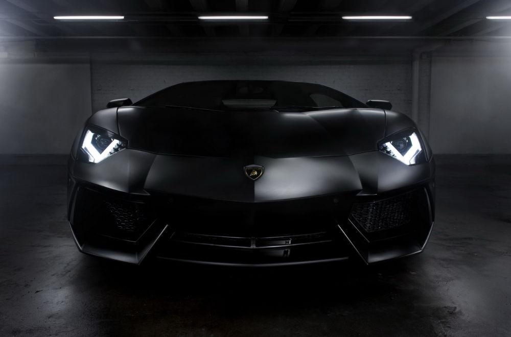 Черное авто