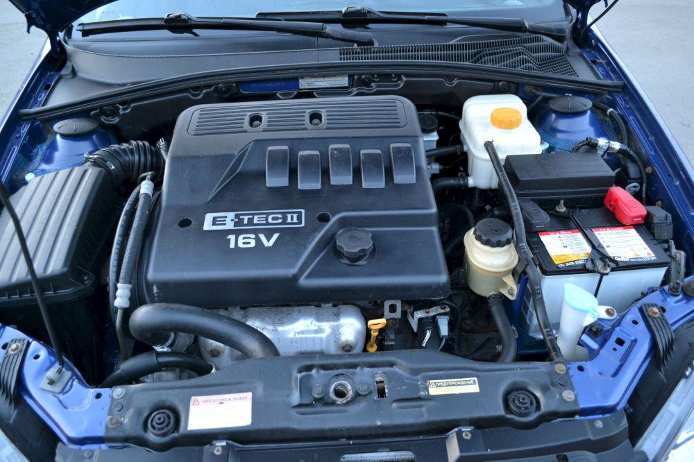 Chevrolet Lacetti dvigatel - Что лучше рено меган или шевроле лачетти