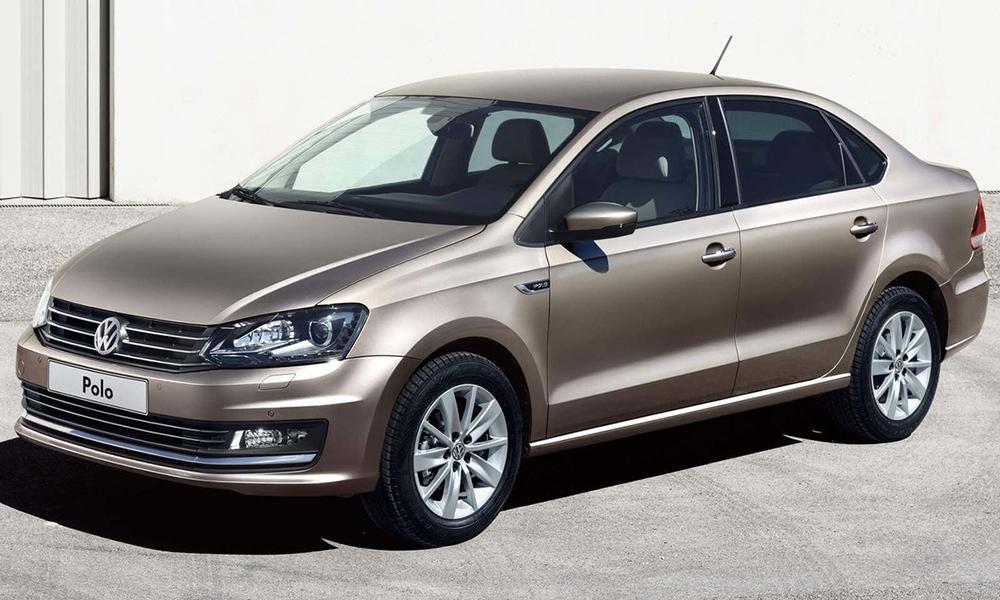 Volkswagen Polo на трассе
