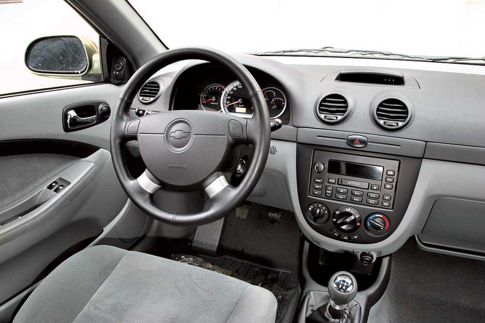 Салон Chevrolet Lacetti изнутри