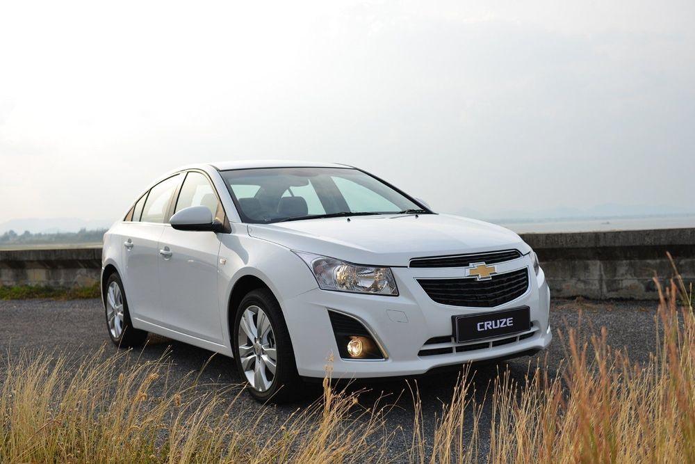 Chevrolet Cruze белый