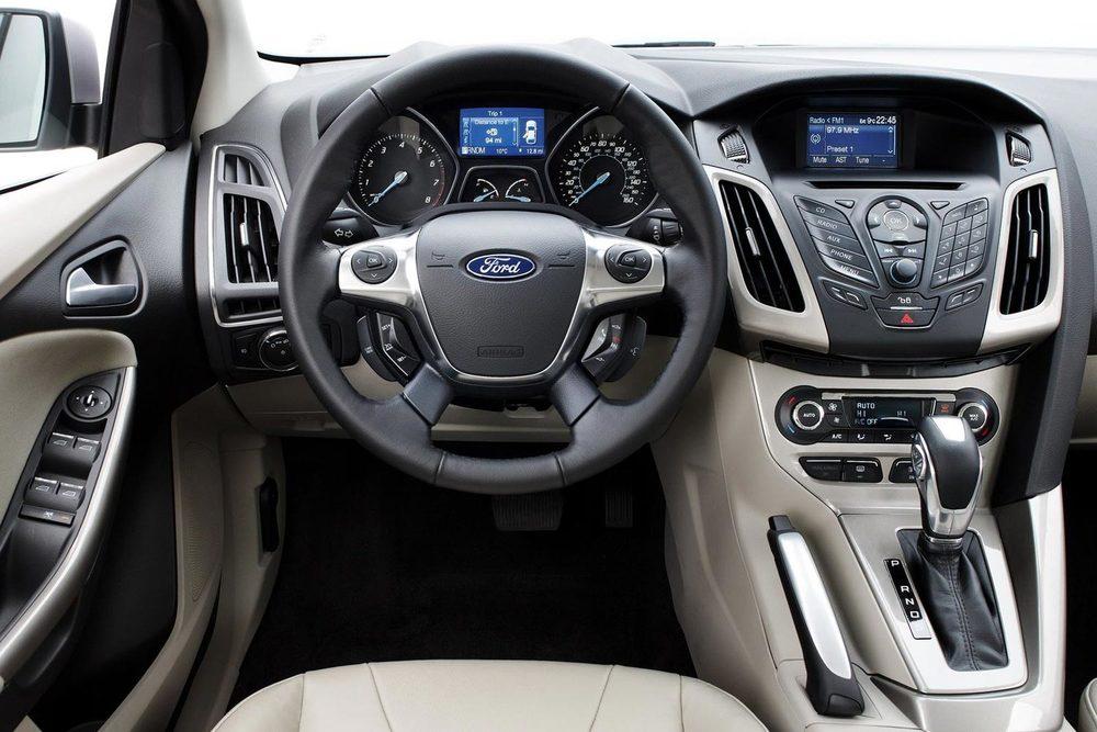 Ford Focus руль