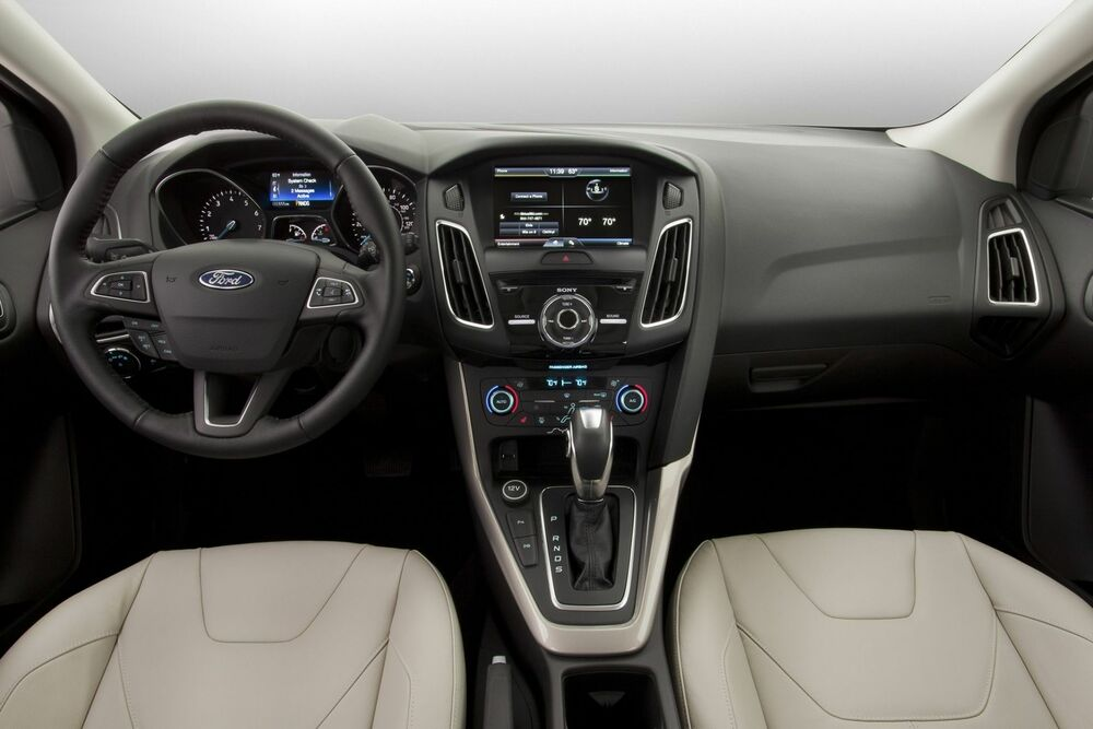 Ford Focus салон светлый