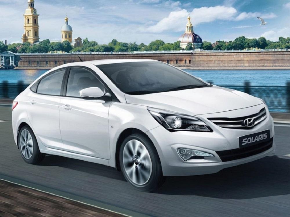 Hyundai Solaris белое авто