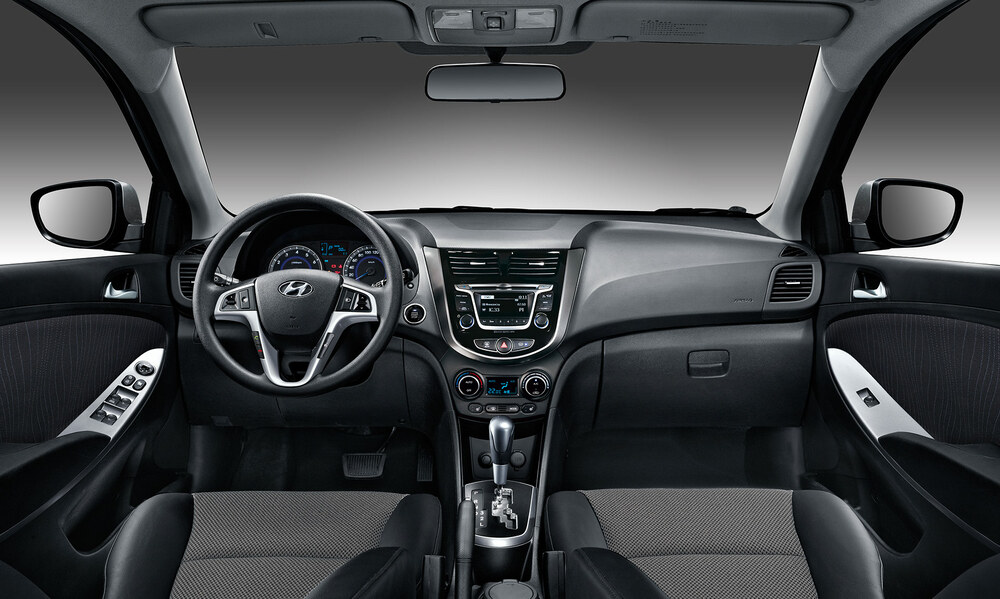 Hyundai Solaris салон авто