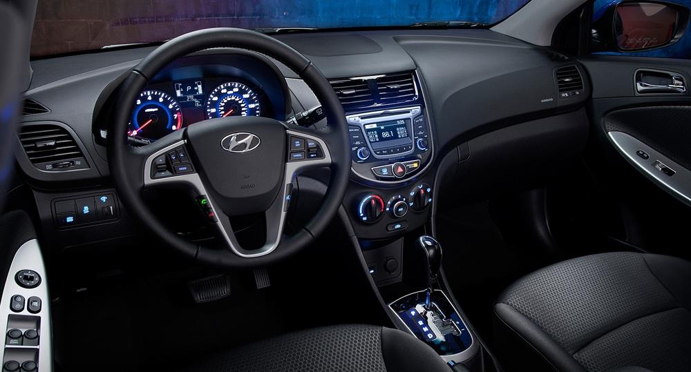 Hyundai Solaris салон