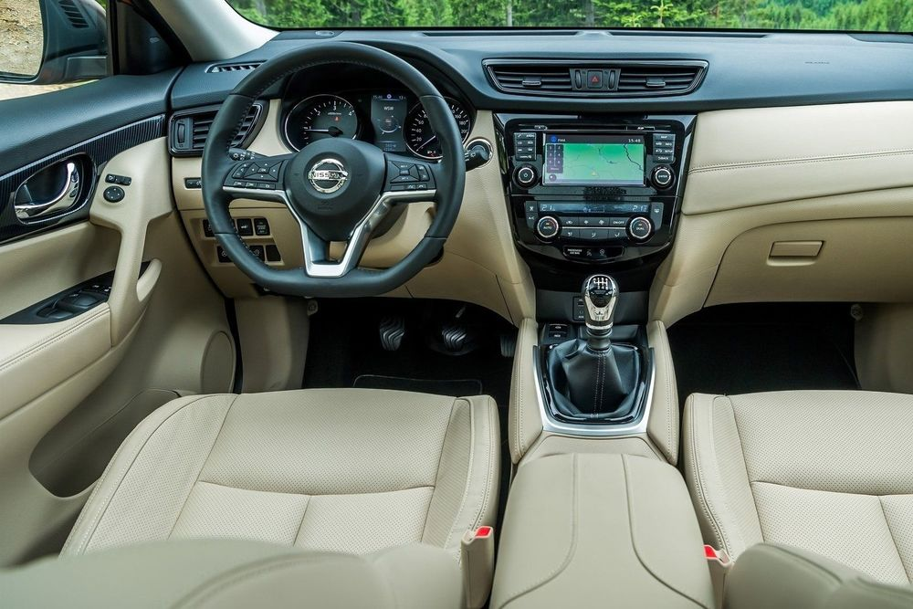 Nissan X-Trail салон светлый