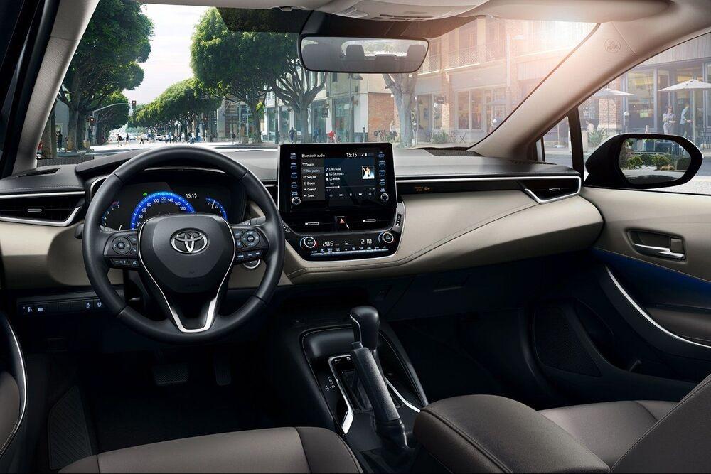 Toyota Corolla салон машины