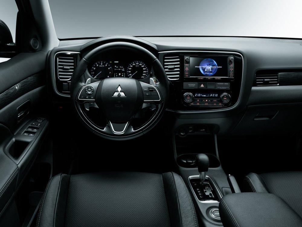 Салон Mitsubishi Outlander