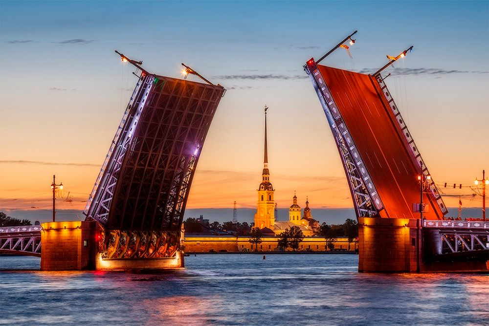 Дворцовый мост Санкт-Петербурга
