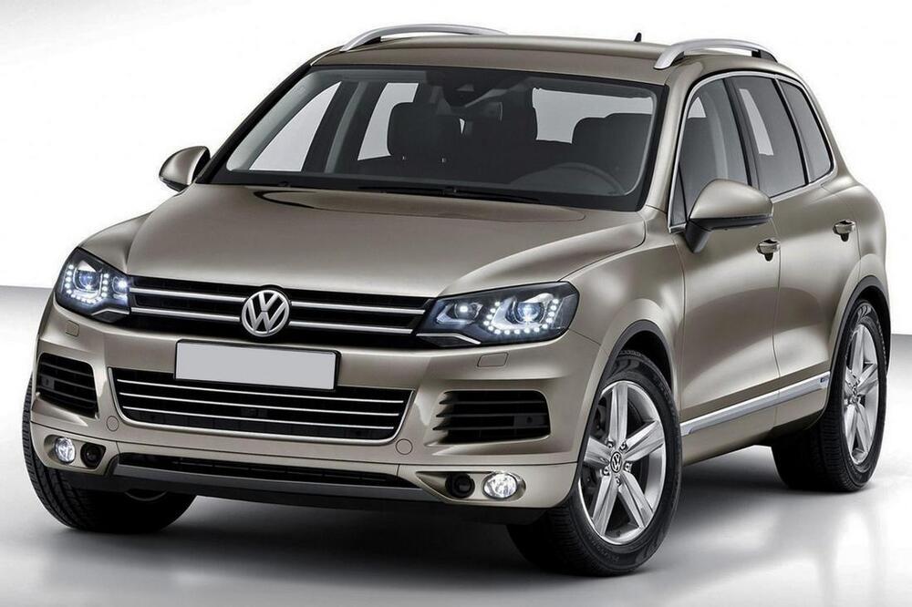 Volkswagen Touareg в сером цвете