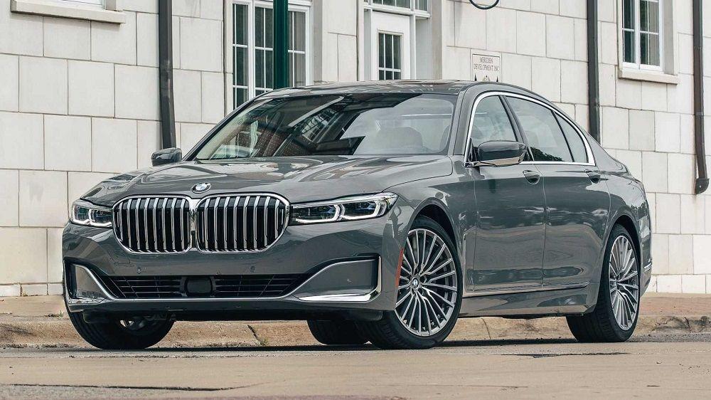 Лучший автомобиль премиум-класса BMW 7