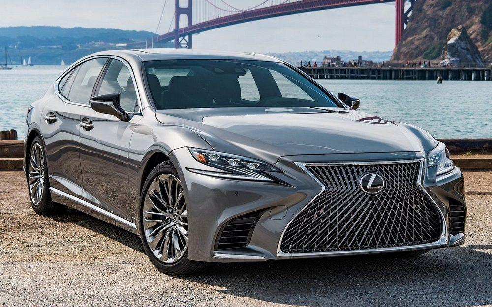 Лучший автомобиль премиум-класса Lexus LS