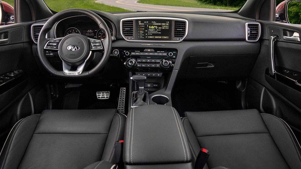 Новый автомобиль до 1,8 миллиона Kia Sportage внутри
