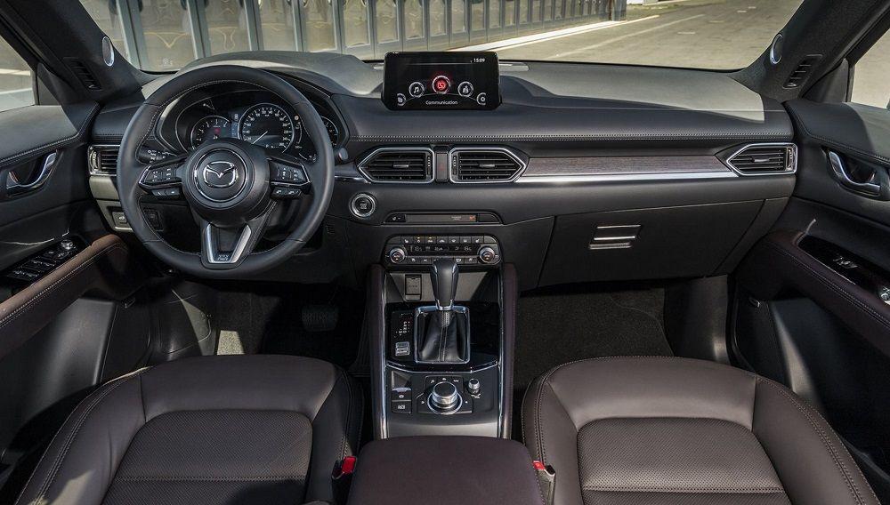 Новый автомобиль до 1,8 миллиона Mazda CX-5 внутри