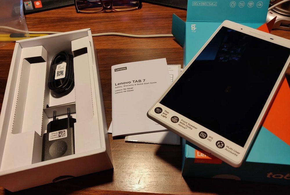 Планшет для авто Lenovo TAB 4 TB-7504X 2GB 16GB