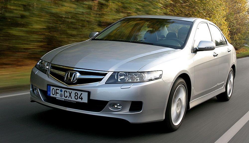 Подержанный автомобиль до 700 тысяч Honda Accord VII