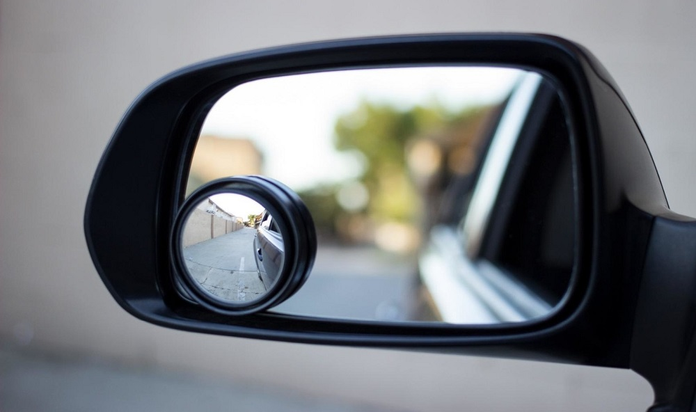 Полезный гаджет зеркала слепой зоны Baseus