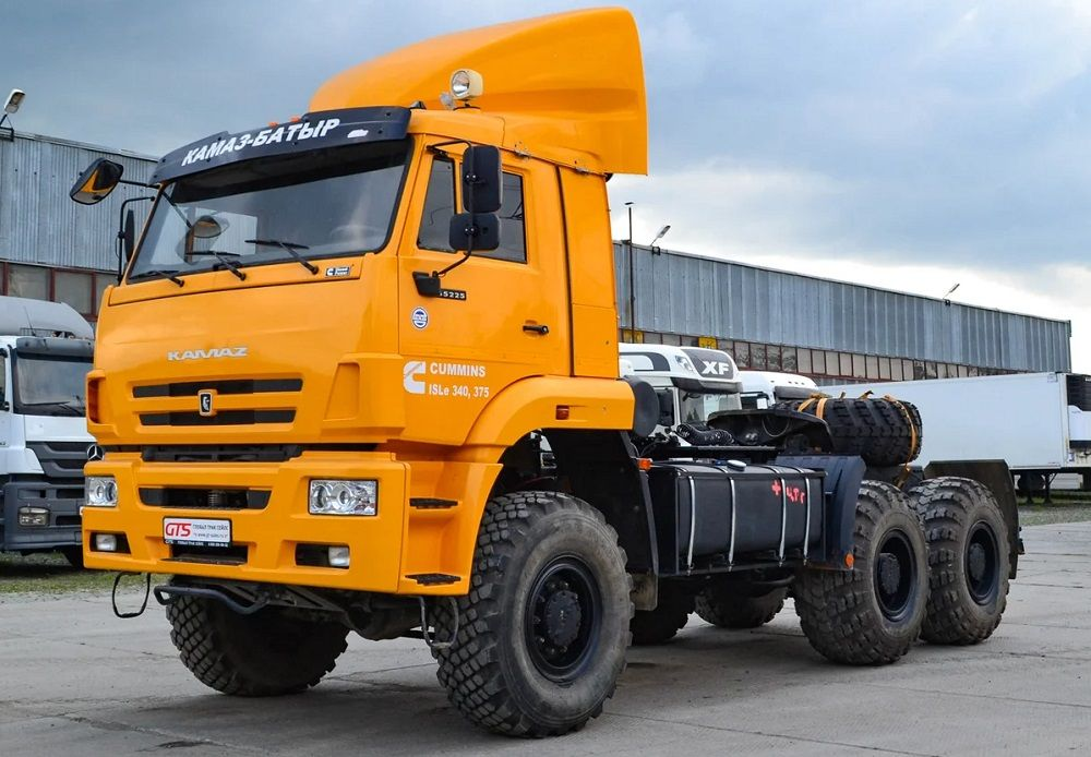 Российский грузовик КАМАЗ NEW 65225